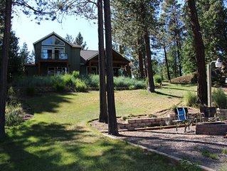 Great River Front Vacation Home in Sunriver with Hot Tub! Pet Friendly DCCA#1432