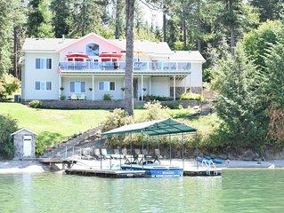 Hayden Lake Sunlit & Spacious Reunion Home -7 Bedrooms - Sleeps Up To 17!!!