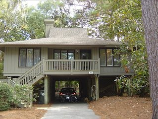 Inlet Cove 3 BR Cottage - Near Pool and Kiawah River - Wi-Fi