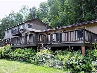 4BR/2BA Catskill House w/Hot Tub, Game Room, 10min. from Belleayre Skiing!