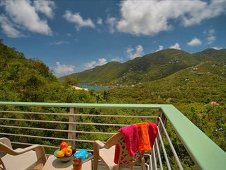 New Moon - Beautifully Built Cottage with Views of Coral Bay