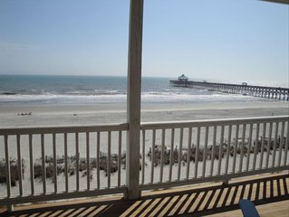 Dolphin Watch - Charming - Cozy - Oceanfront - Beachfront!