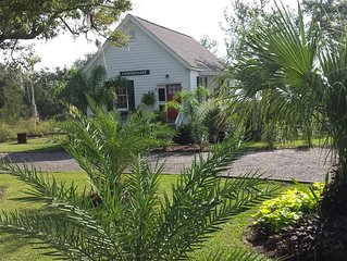 BEAUTIFUL MARSH AND RIVER VIEWS Perfect Coastal Cottage - 'Collier-Casey Estate'