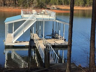 Secluded Retreat On Lake Lanier!