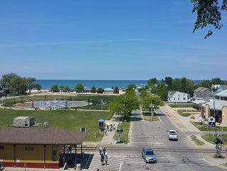 Silver Beach Beach House - downtown St. Joseph Mi