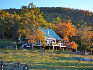 Rustic Mountaintop Solitude - Secluded but convenient with spectacular views