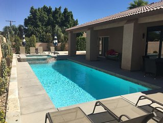 5bd/3BA HOUSE POOL/SPA PUTTING GREEN FIREPIT WATERFALL