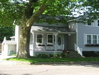 Great Downtown Grand Haven Location!