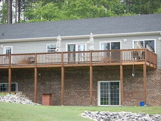 Beautiful 5 BR Home on Private Cove in Pea Hill Creek-