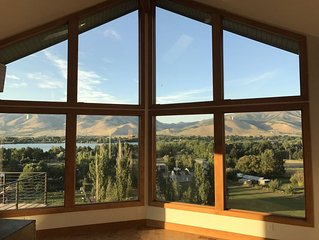 3 Bedroom House - Close to Snowbasin - Every Window is a Picture View