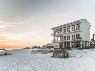 Gulf Paradise in Inlet w/ Breathtaking views, Pool, Beachfront