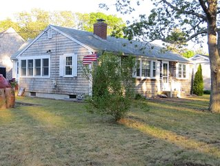 The Comforts of Home with Cape Cod Charm, Walk to Beach! Wi-Fi