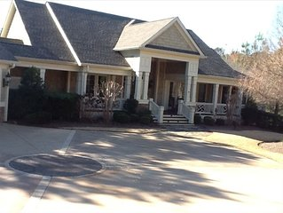 Enjoy Family Get- Togethers  in Luxurious Reynolds Plantation Lake Front Home-