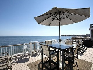 4 BR / 2 Bath beach house. Beachfront. Walking distance to Scituate Harbor!