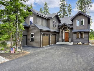4 BD 4 Bath, Luxury Home on the Golf Course with Views and Location!
