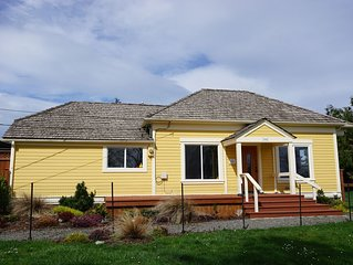 Port Townsend, North Beach, Sleeps 6, Modern, 1912 Nellie Donagan House