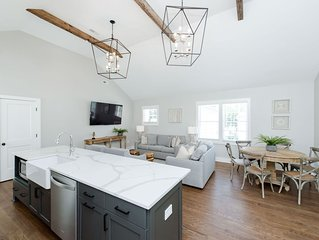 Guesthouse Charleston: Brand New Home/ Parking / 1 Block to Upper King St.