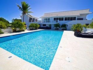 Newly Renovated 5 Bedroom 5 Bath Villa Spectacular Views Ocean, Beaches close!!!