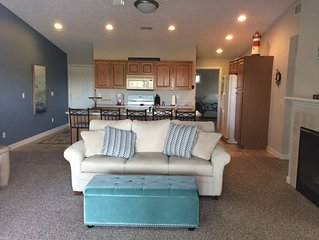 3BR on the river, 2 blocks from the beach, and nicely appointed!