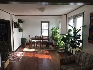 Family-friendly House in Quiet Neighborhood, 5 miles away from Boston!