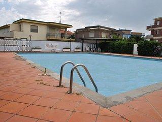 Casa climatizzata a Formia con piscina comune