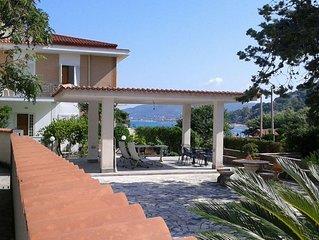 Villa Leucotea, casa con giardino nel borgo di Pozzillo a 20 metri dal mare blu