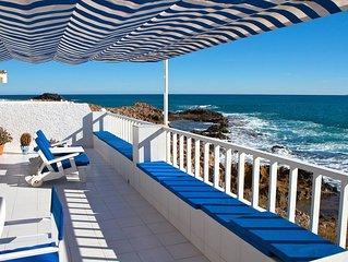 Casa con terraza, piscina y jardin privados. BBQ, wifi, climatizada a 50m playa