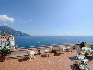 Casa Rossa con terrazza e vista mare e a soli 800mt da Amalfi