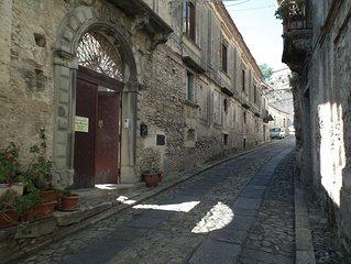 Confortevole B&B a Gerace, (vedi borghi belli d'Italia). Camere a Casa Ferrari