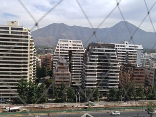 Large Family Friendly Apt with the best views of the Mountains and City