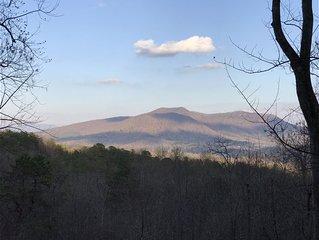 Family Cabin Retreat ** Beautiful Mountain Views **