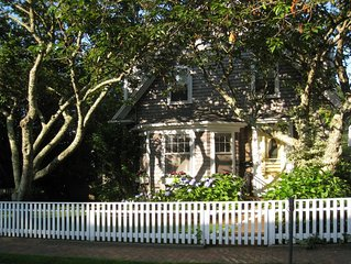 Lovely Home in the Heart of the Historic District-Walk to Town-Offstreet Parking