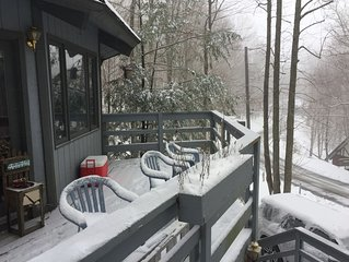 Ski, hike, golf, fish or enjoy nature at this renovated Chalet on Beech Mountain