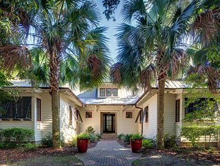 GORGEOUS RESTYLED HOME, in the heart of Palmetto Bluff, Golf Cart, Pet Friendly