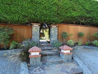 Spacious and sunny home on gated property close to SF, Muir Wods + more!
