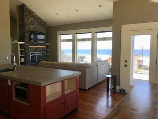 Panoramic Pacific Ocean views for both summer sunsets & winter storm watching!