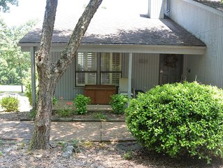 Eden Isle Gem 2 Bedroom,  2 Bath overlooking Red Apple Inn Golf Course