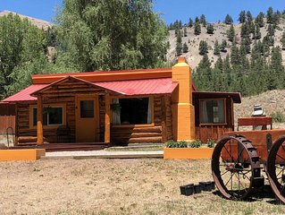 Carlson Cabin - Located on the Lake Fork of the Gunnison River in Historic Vicke