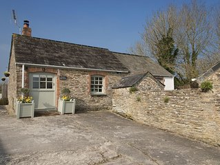 STABLE COTTAGE - Near Padstow, great restaurants, pet friendly, beaches, patio