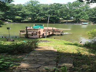Lakefront house on quiet, secluded street, Grill, Gazebo, Screened Porch, Kayak