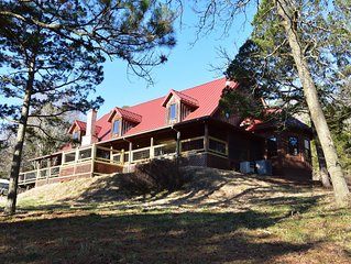550 acre ranch with log home that sleeps 15+ adjoins Kings River
