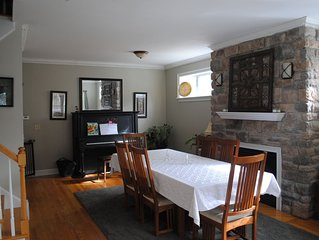 Modern Victorian 5 Bedroom In The Village Of Saratoga Springs