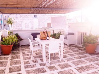 Rooftop terrace, near main piazza, panoramic views of the sea