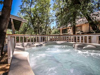 Fun Mountain Family Cabin~Nicely Furnished~Private Spa~Pets Ok/Fenced~WiFi~