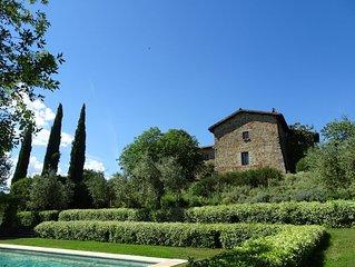 Panoramische locatie: privé + dichtbij dorp gelegen landhuis, 1,5h tuin, zwembad