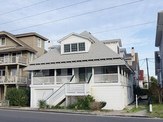 True Southern Beach Living In This Charming Cottage! Soundside Dock!