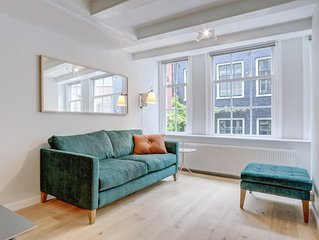 Charming studio apartment, perfect for a couple, located in the famous Jordaan