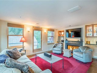 Flexible Cancellations - Clean and Private 3-Bedroom Upgraded Condo in the Depot