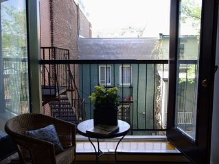 Chic Bohemian Loft With View Of Mt Royal-In The Heart Of Trendy Plateau Mt-Royal