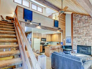 Spectacularly spacious two bedroom loft, two bath split level condo, Canyon Ski